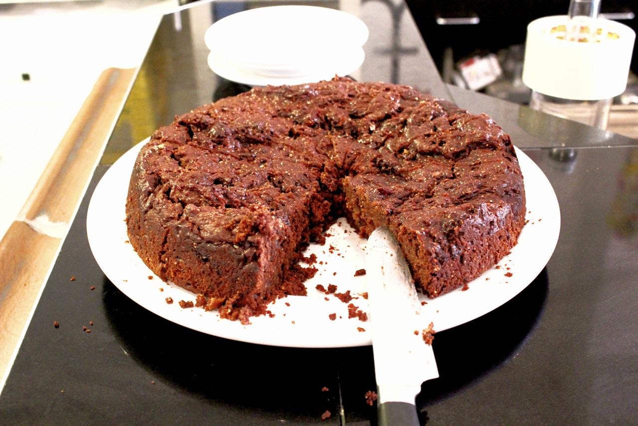 Veganer Schokokirschkuchen in der Kombüse im Jungbusch