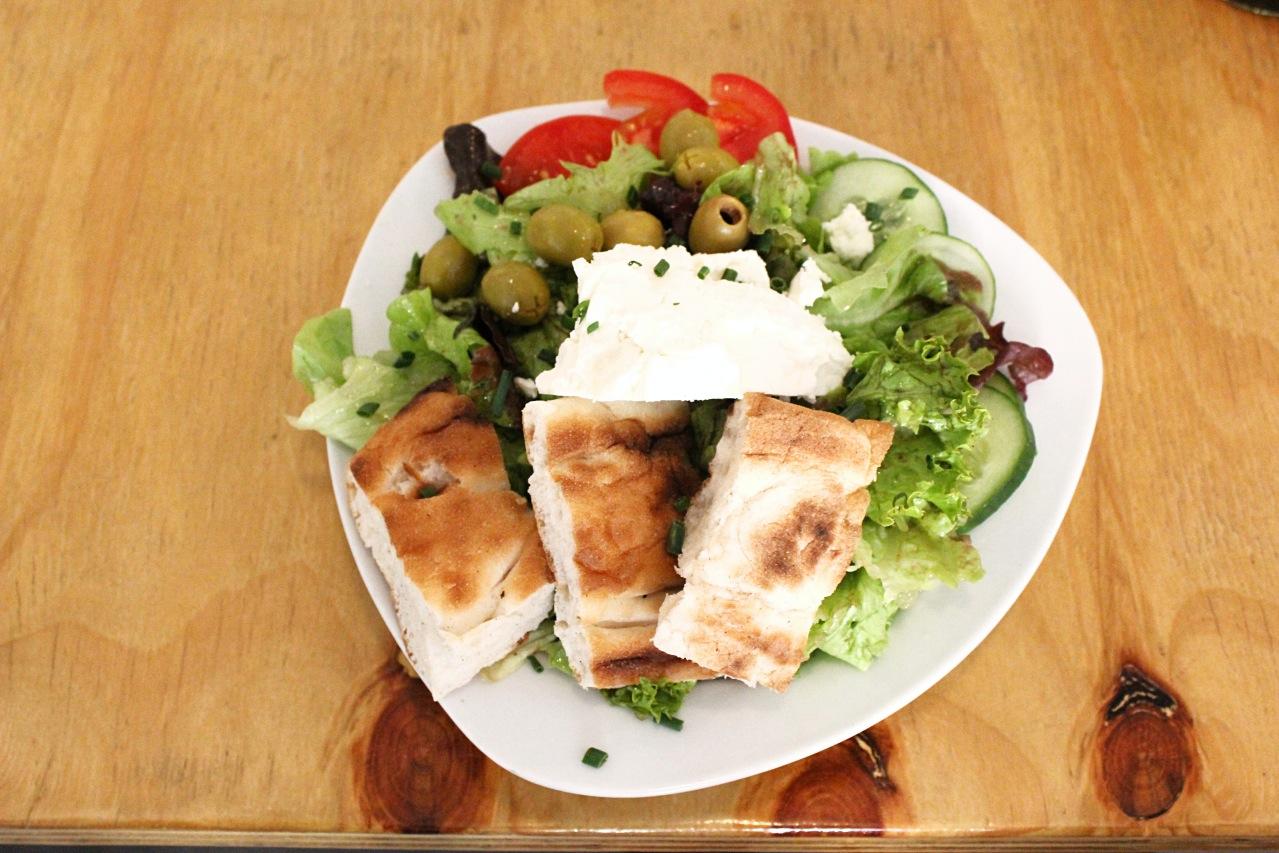Salat in der Kombüse im Jungbusch