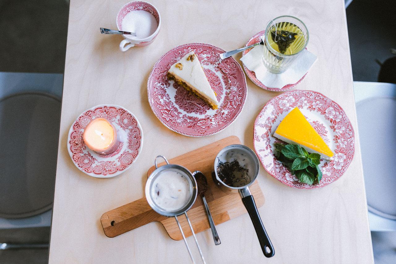 Die Perle Eignet Sich Jedoch Nicht Nur Als Klassisches Caf Fr Kaffee Und Kuchen Denn Es Gibt Auch Eine Grosse Auswahl An Leckeren Frhstcken Am