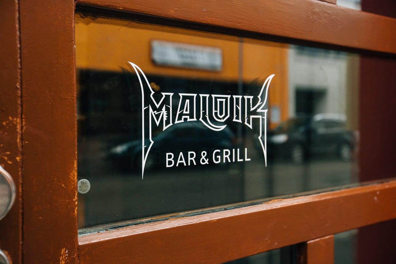 Maloik Bar & Grill